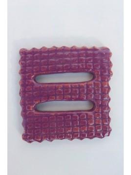 Boucle terre cuite émaillée carrée violette